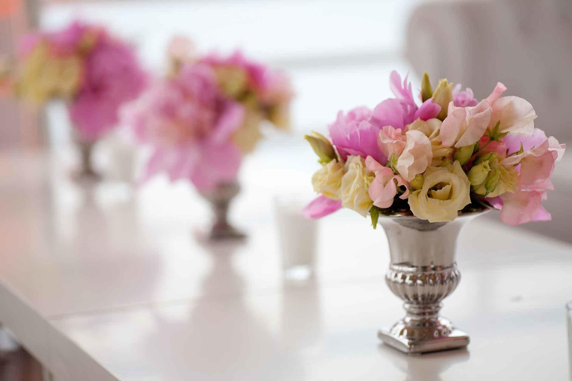 Un petit bouquet de fleurs pastel