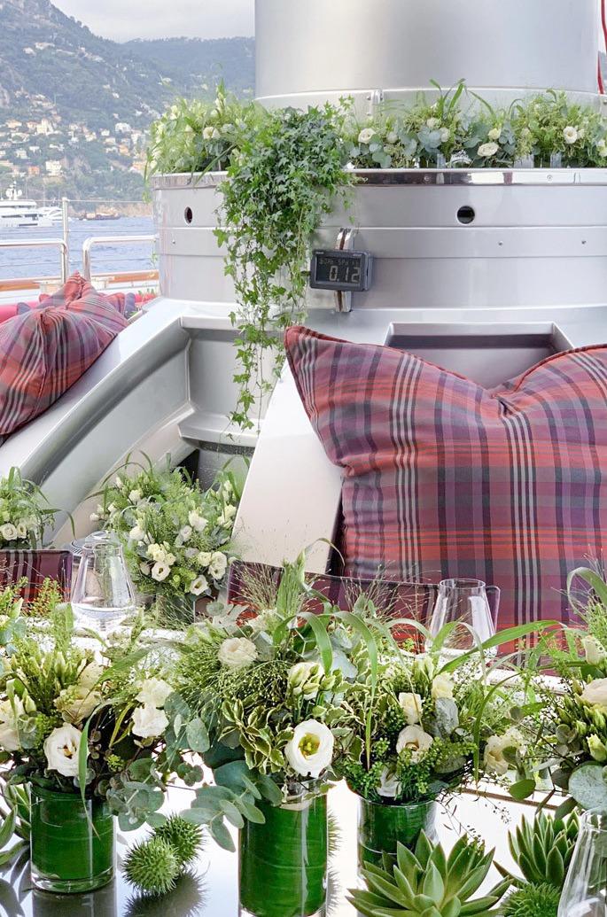 Différents tons et motifs pour ces bouquets de fleurs