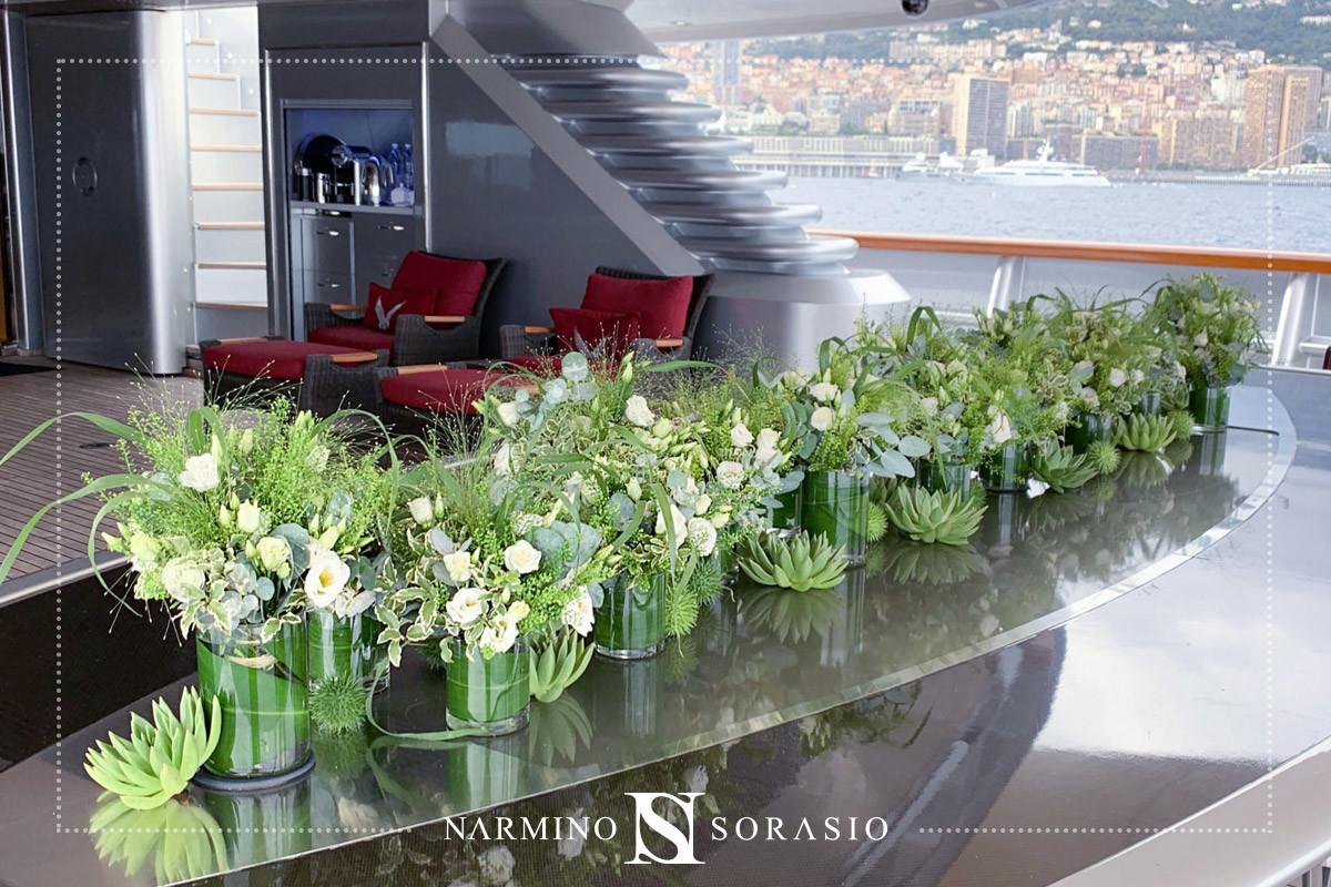 Une décoration florale de bateau par Narmino Sorasio