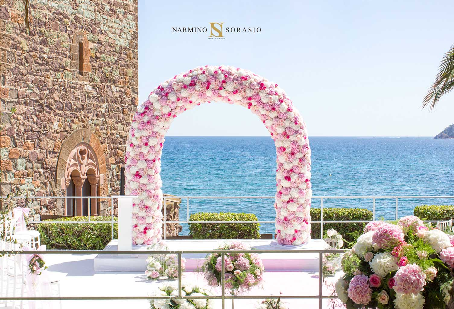 Example of a flowery arch to decorate your wedding on the Côte d'Azur or in Monaco