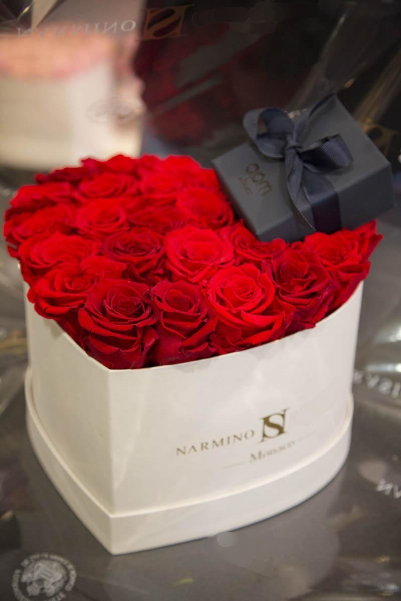 Boite à fleurs spéciale Saint-Valentin