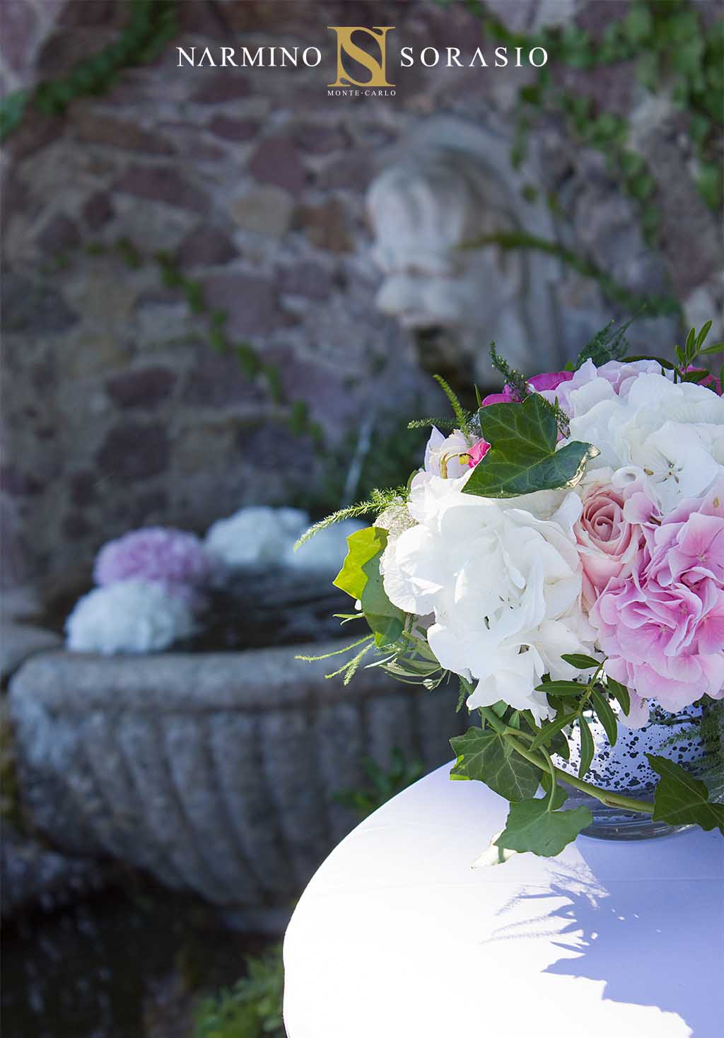 Flowers and bouquet to decorate a wedding