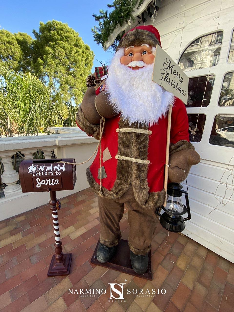 Le Père Noël vous accueille
