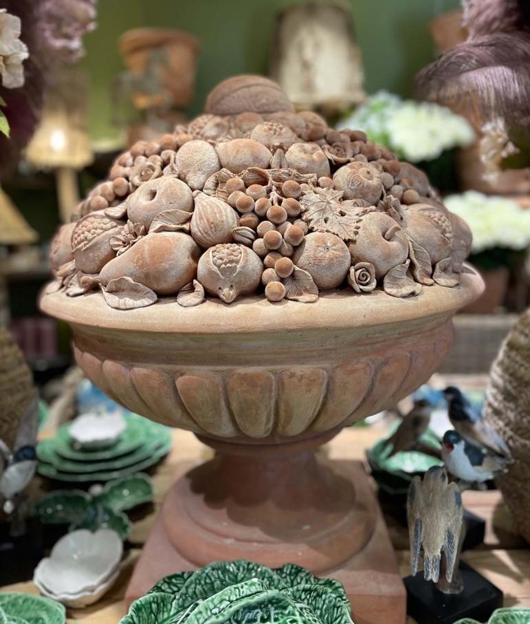 Un vase en terre cuite